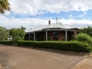 Outstanding large 4 bed 2 bathroom home.